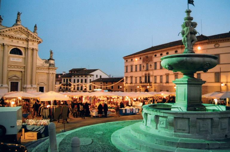 Vittorio veneto arrivano i mercatini di natale a ceneda for Mercatini veneto oggi