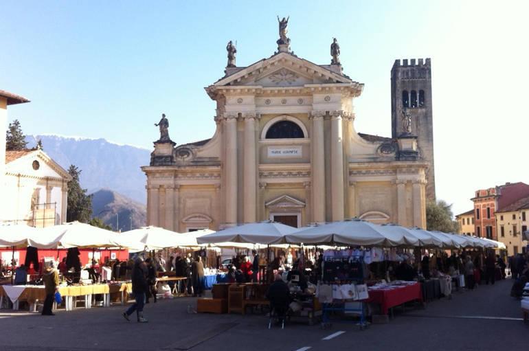 Vittorio veneto domenica a ceneda il mercatino dell for Mercatini dell usato veneto